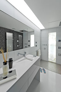Modern white bathrom